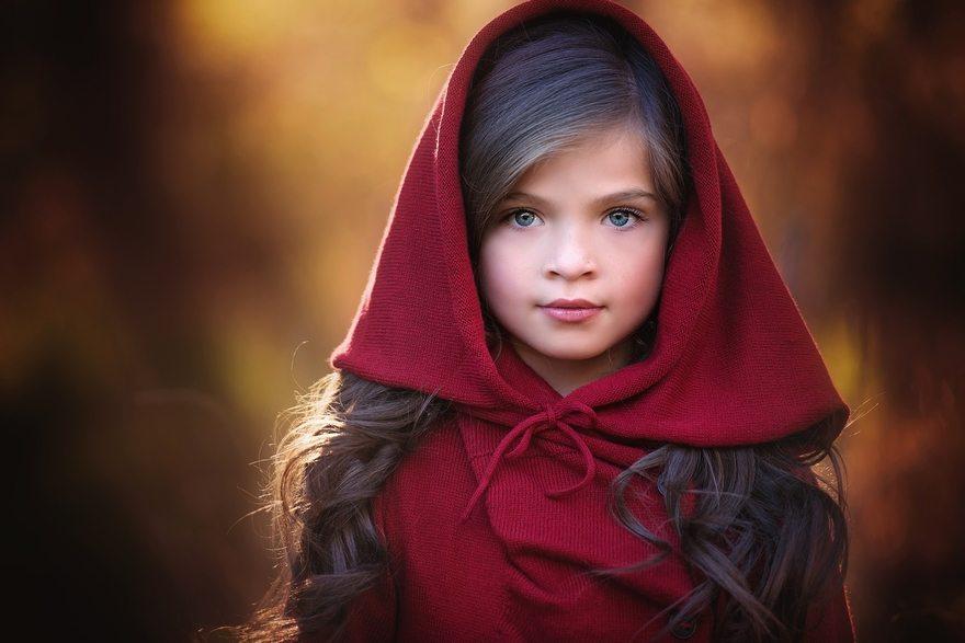 Картинка: Девочка, лицо, волосы, красный, капюшон