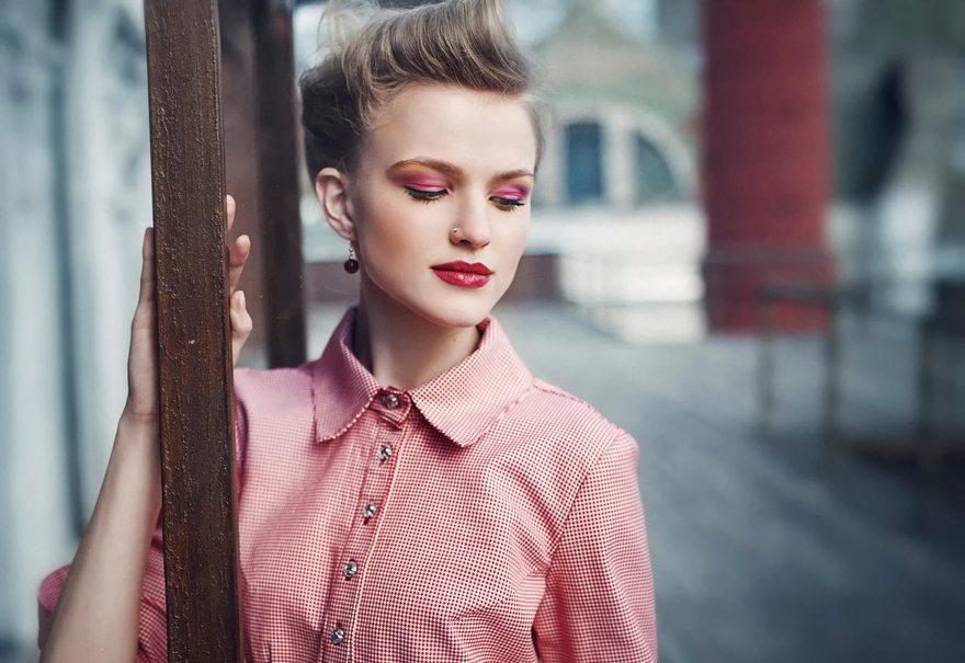 Картинка: Девушка, модель, макияж, makeup, рубашка, красная, клетчатая, Алёна Емельянова, размытый фон