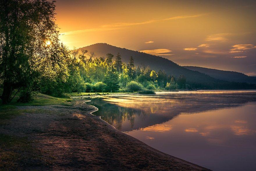Картинка: Закат, деревья, вода, озеро, отражение, берег, горы, небо