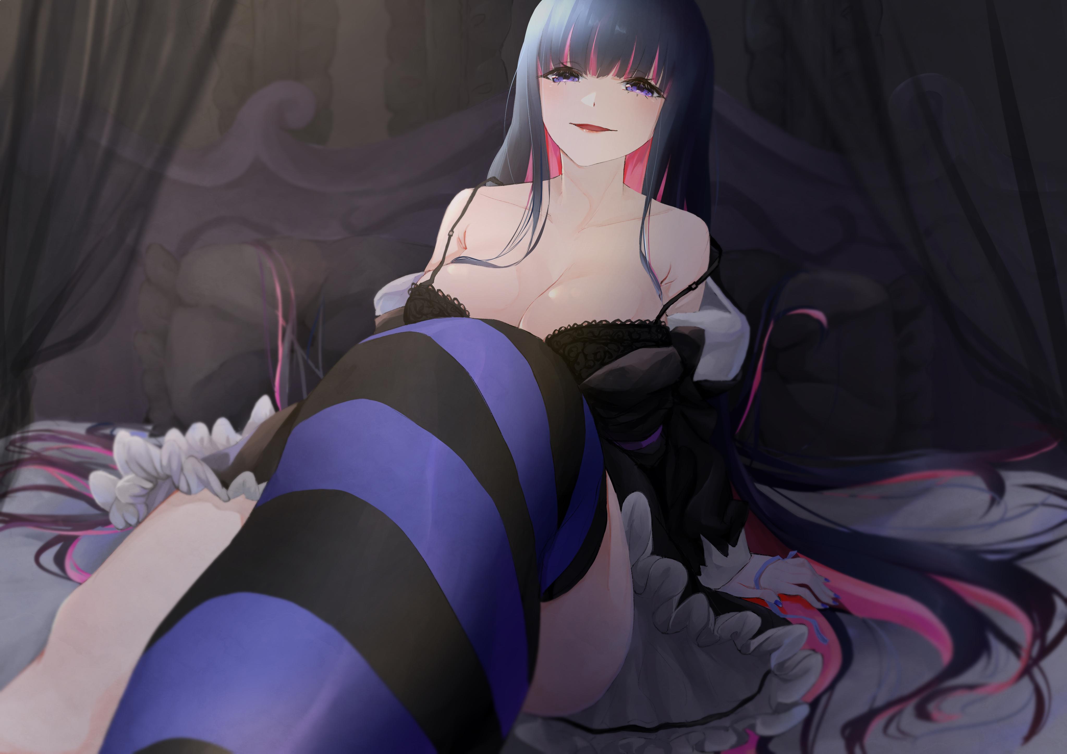 Картинка: Девушка, большая грудь, бюстгальтер, улыбка, ножки, волосы, чулок