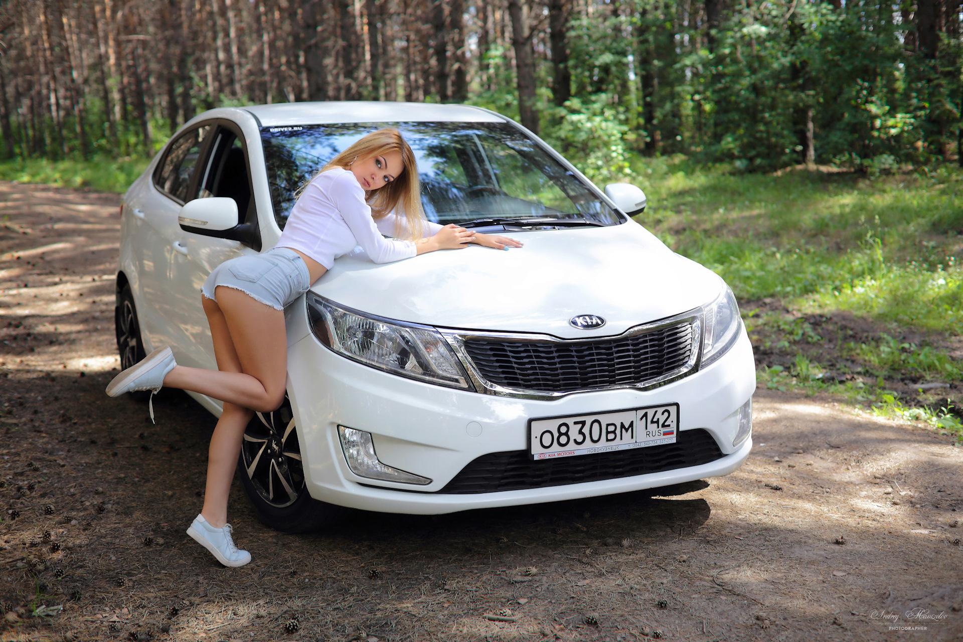 Картинка: KIA, автомобиль, девушка, блондинка, лес