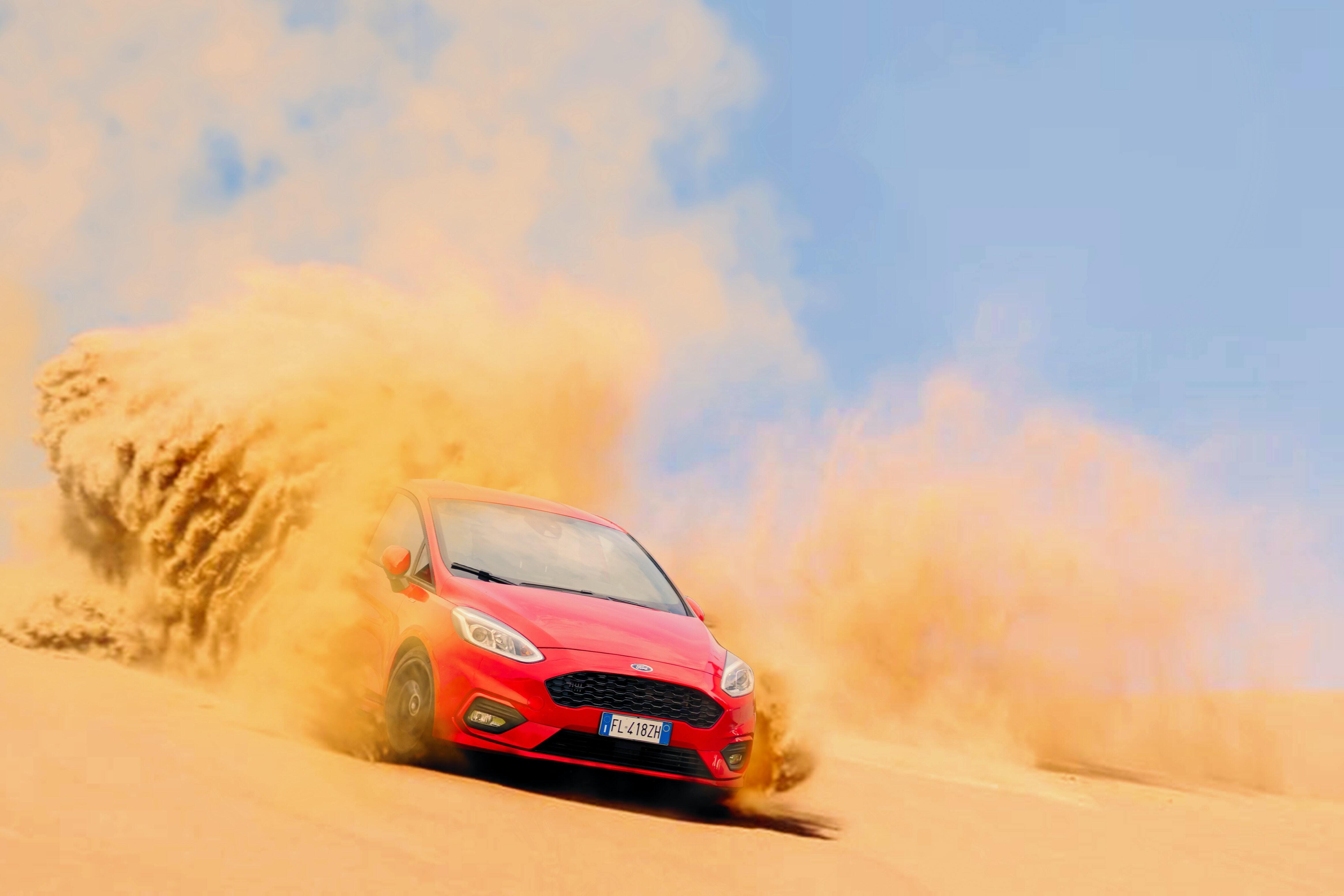 Картинка: Ford, автомобиль, песок, пыль, дрифт, буксы, дымка