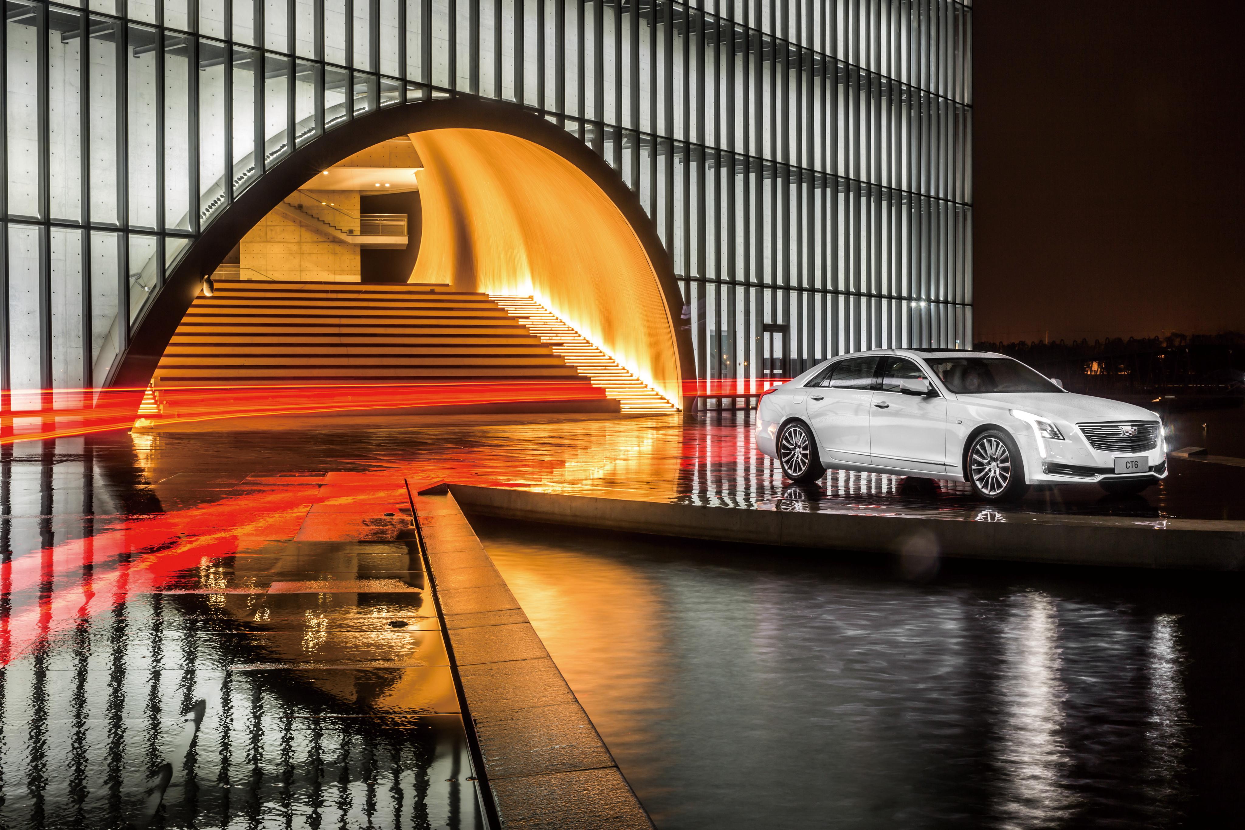 Картинка: Cadillac, CT6, авто, белый, white, здание, ступеньки, красный, свет, освещение, отражение