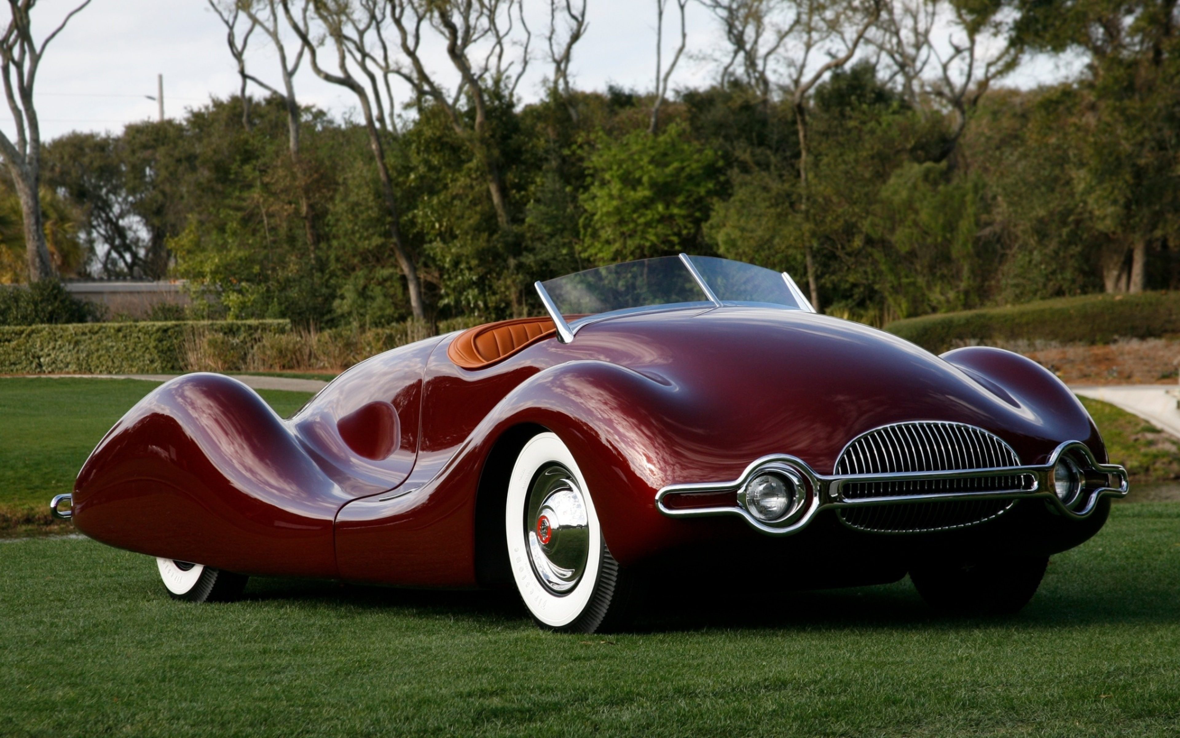 Image: Retro, streamliner, 1949, burgundy