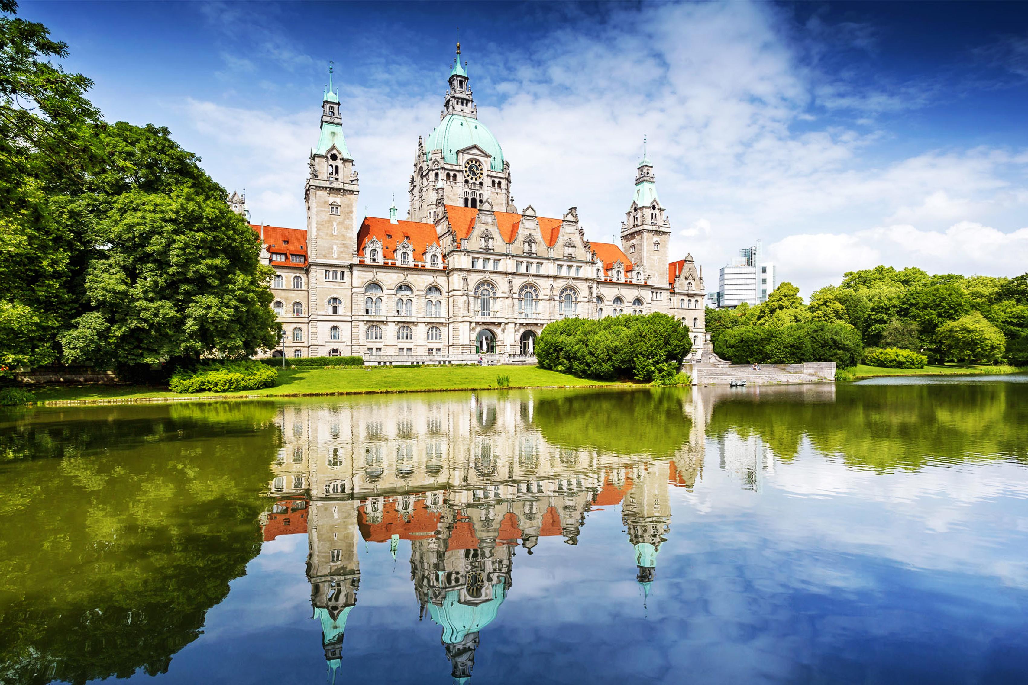 Картинка: Ганновер, Германия, Новая Ратуша, дворец, здание, отражение, вода, небо, облака, деревья