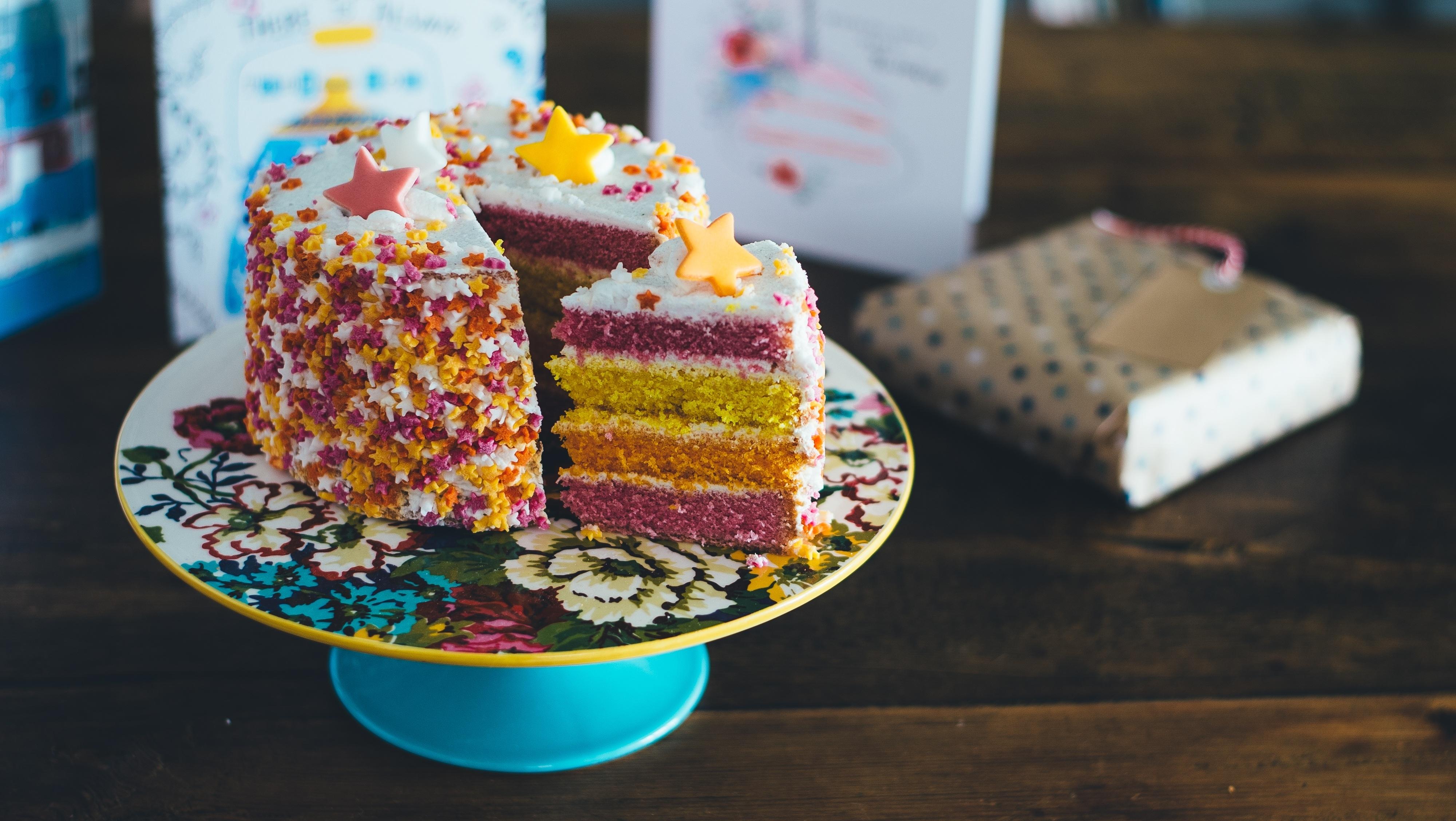 Картинка: Торт, сладкий, кусок, тортница, звёздочки