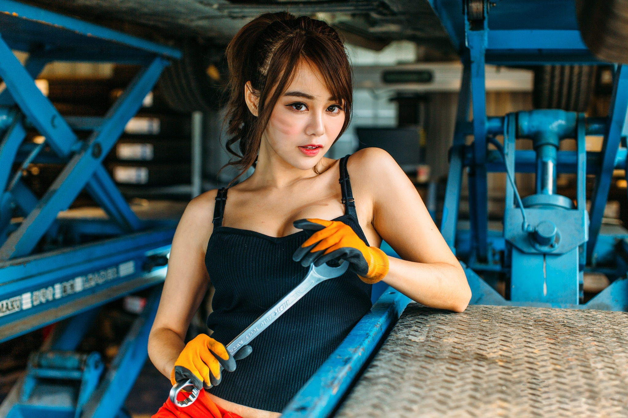 Image: Girl, asian, wrench, gloves, machines, iron, sight