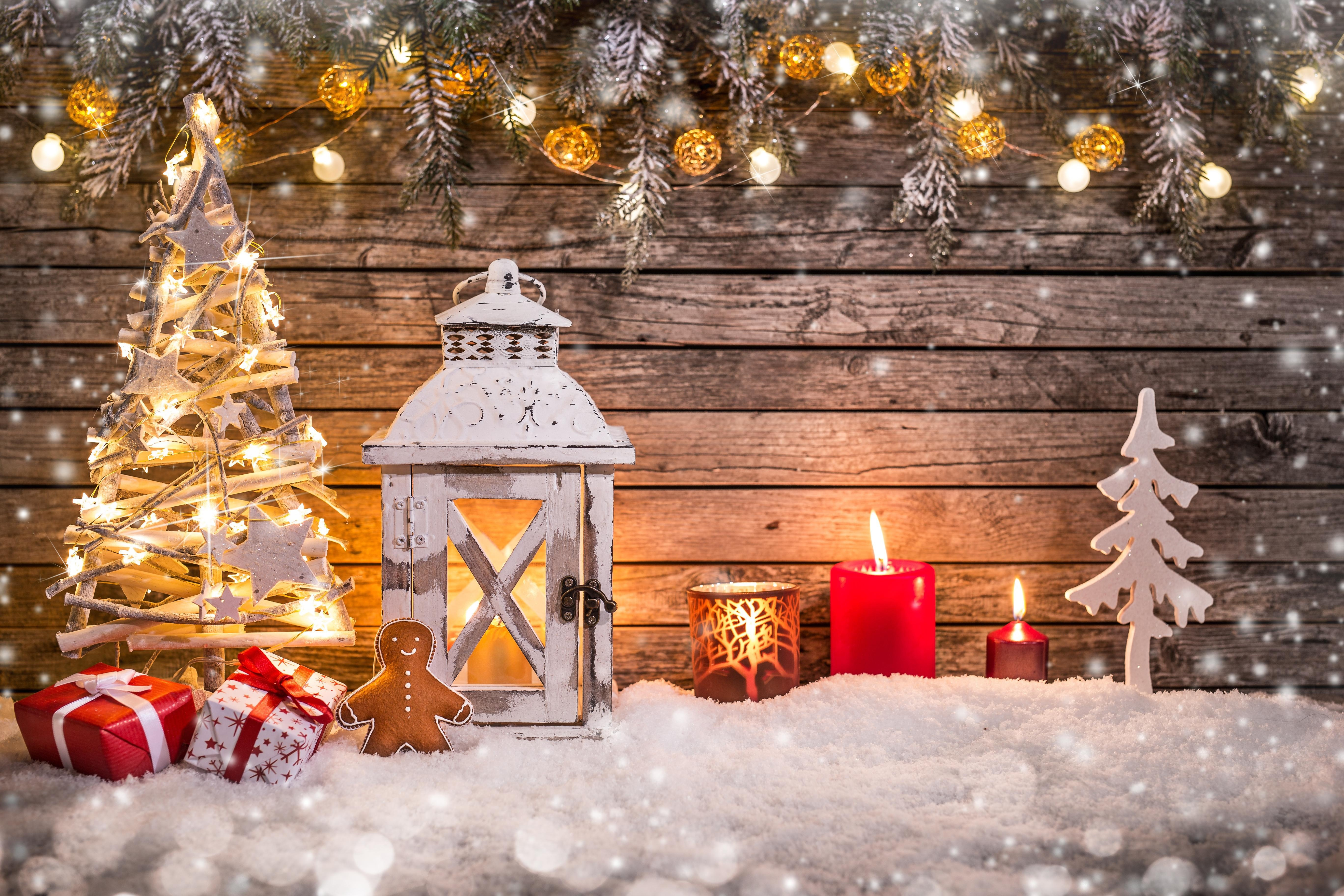 Картинка: Новый год, елка, подарки, украшение, фонарь, свечи