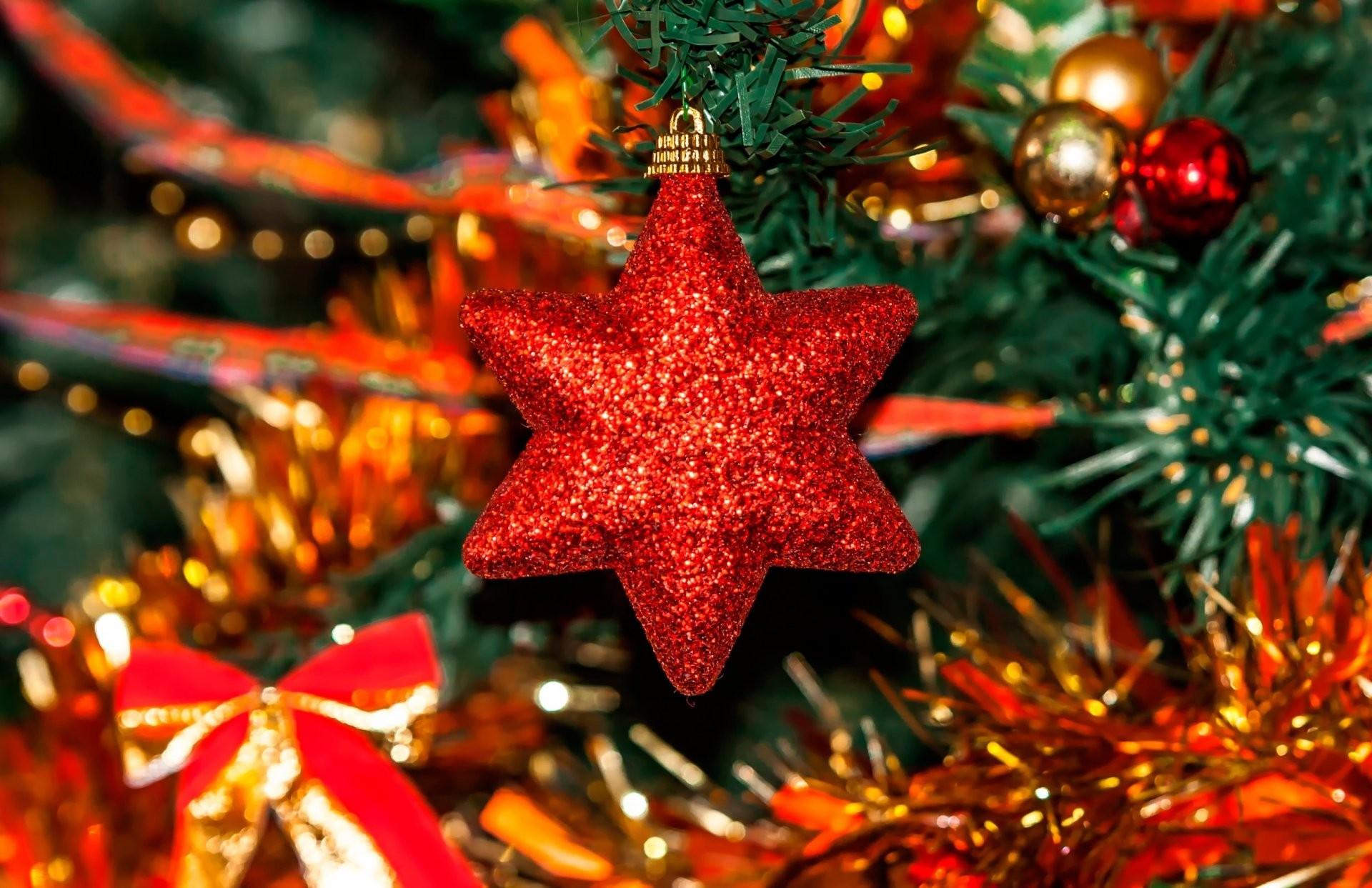 Image: Star, red, tinsel, tree, decoration