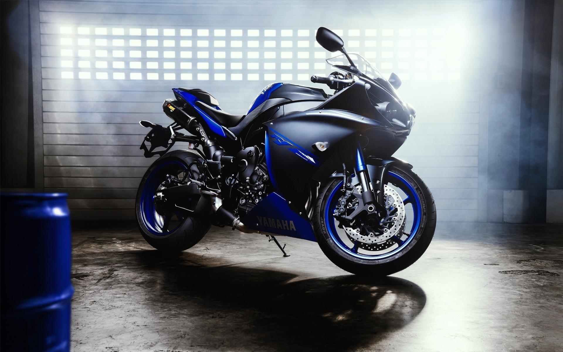 Картинка: Байк, мотоцикл, колёса, Yamaha, YZF R1, чёрный, синий, свет