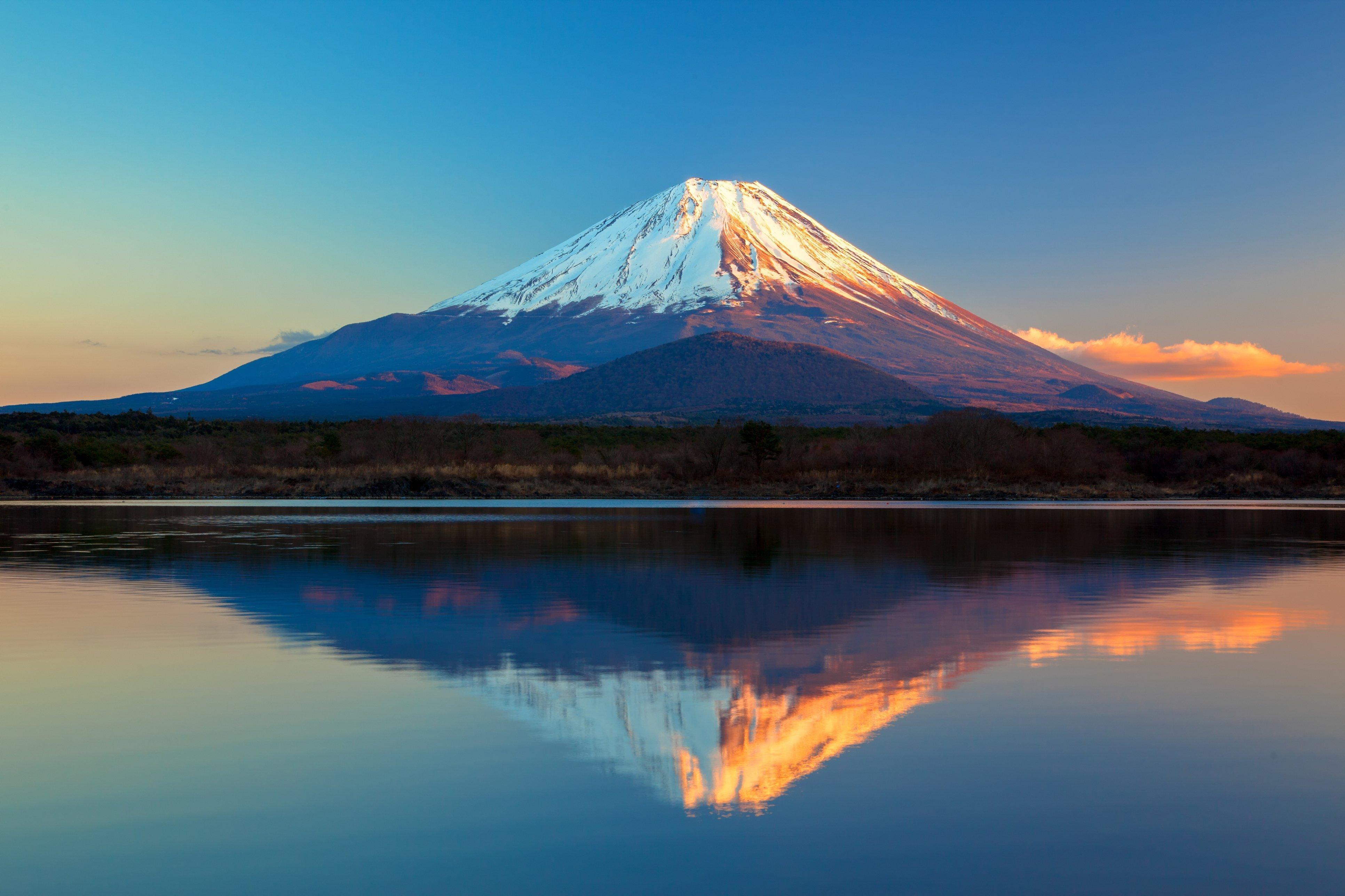 Картинка: Фудзияма, небо, гора, вулкан, Япония, пейзаж, вода, озеро, Сёдзи
