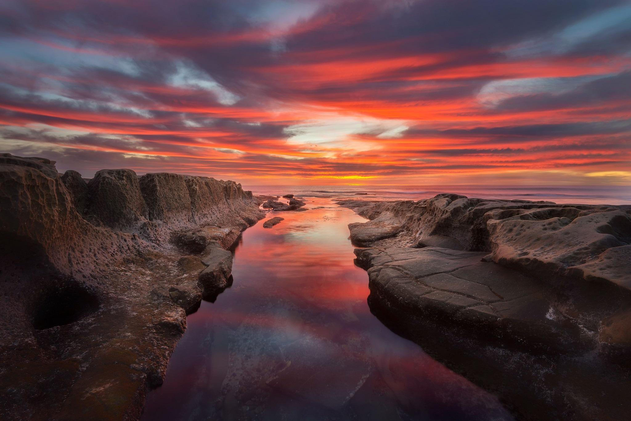 Картинка: Закат, небо, горы, вода