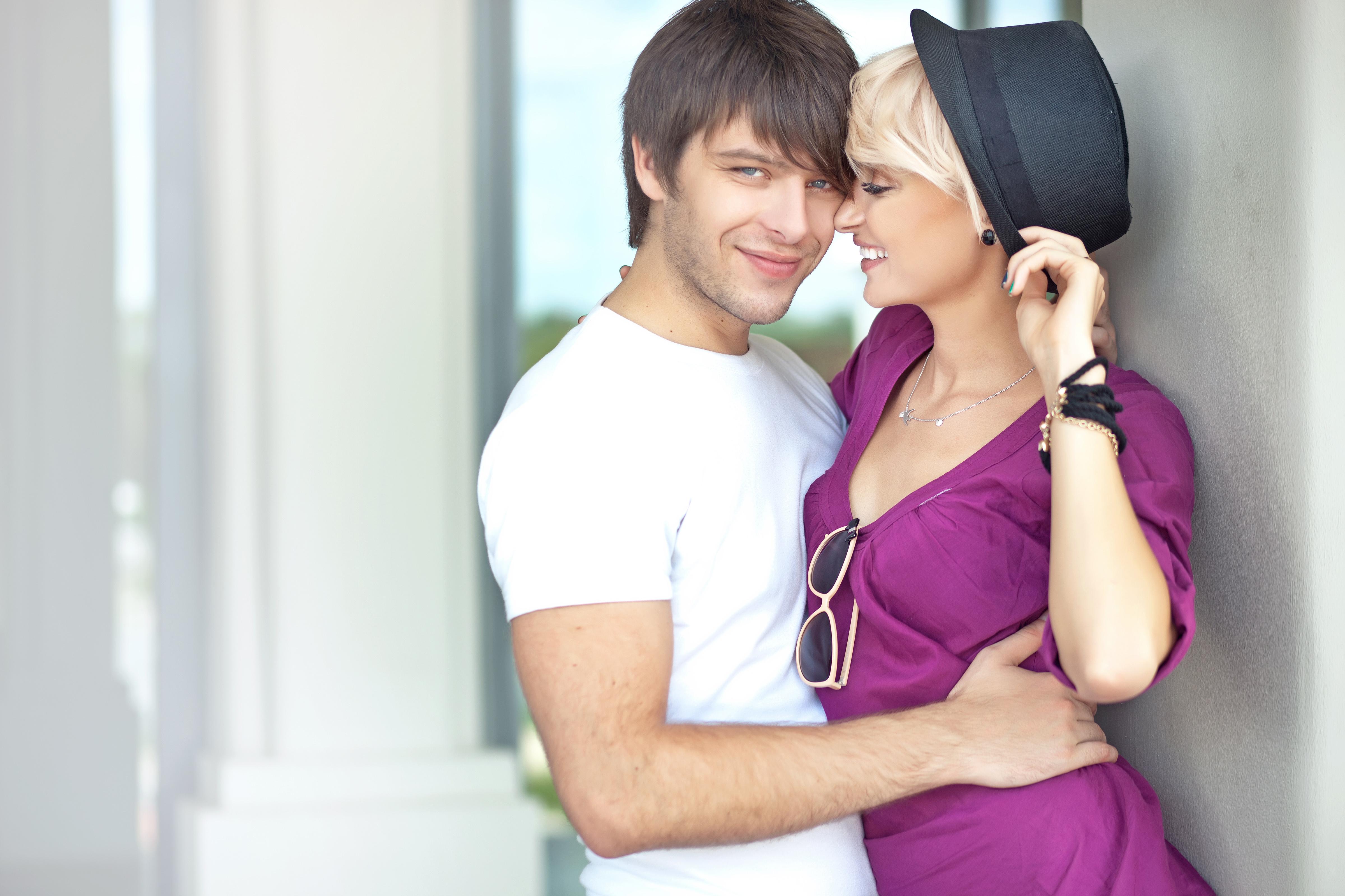 Image: Guy, girl, lovers, blonde, smile, hat, glasses
