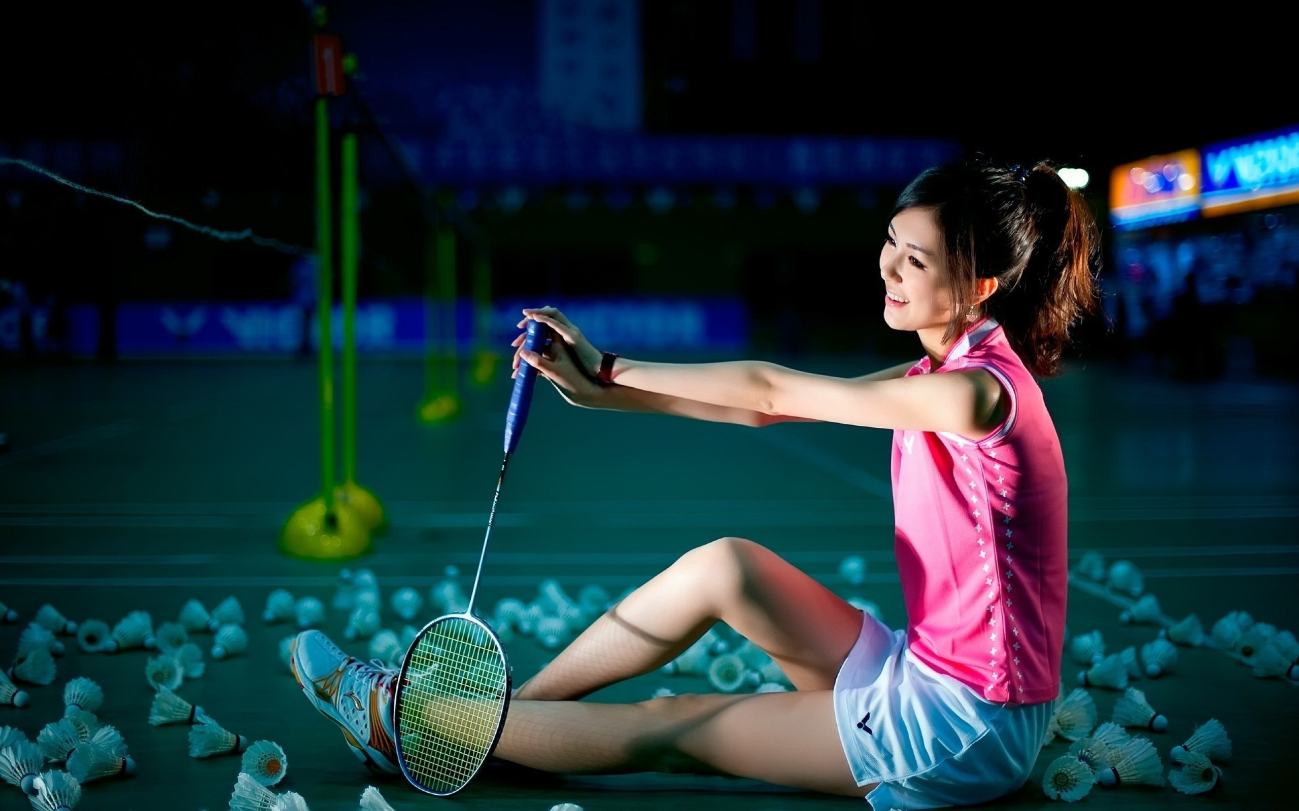 Image: Badminton, racket, shuttlecock, Chinese girl, gym