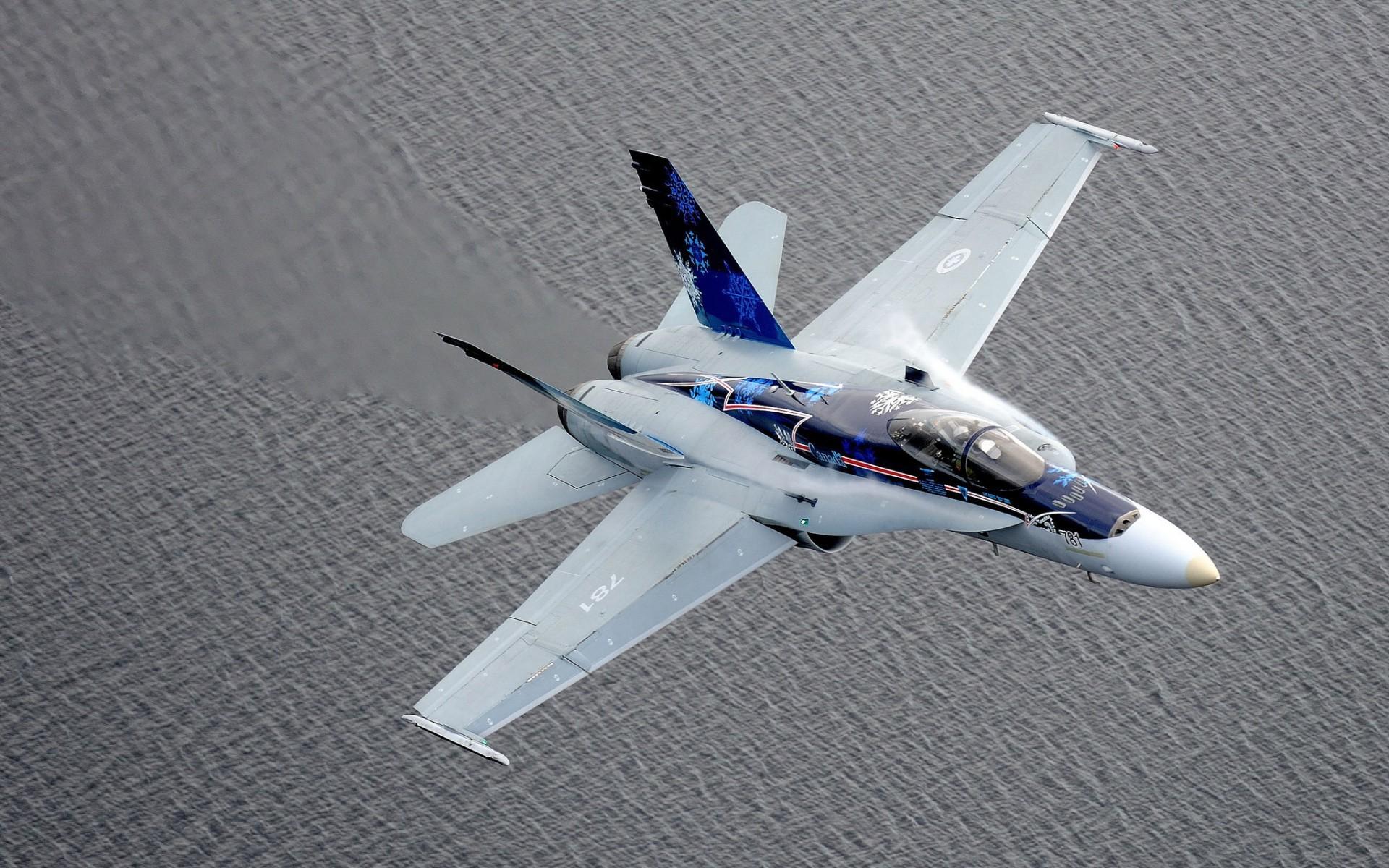 Картинка: Истребитель, CF-18, Hornet, летит, вода, воздух, сопротивление