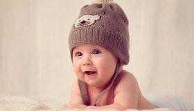Картинка: Младенец, улыбка, радость, шапка