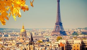 Картинка: Париж, Франция, Эйфелева башня, здания, дома, небо, осень, листья