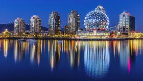 Картинка: Ванкувер, Канада, Vancouver, Canada, Научный центр, здания, высотки, река, огни, отражение