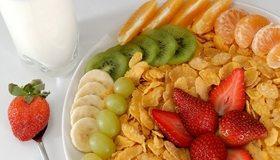 Картинка: Клубника, банан, виноград, киви, мандарин, фрукты, хлопья
