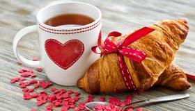 Картинка: Круассан, выпечка, кружка, чашка, чай, сердце, сердечки, любовь, завтрак