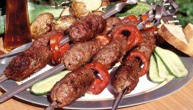 Картинка: Люля-кебаб, шашлык, помидор, шампур, вкусно