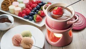 Картинка: Десерт, мороженое, ягоды, клубника, черника, малина, витамины, шоколад