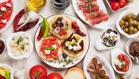 Картинка: Закуска, оливки, маслины, нарезка, перец, помидоры, масло, соус