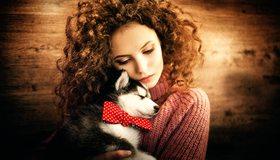 Картинка: Девушка, кудрявая, щенок, хаска, бантик