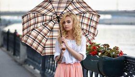 Картинка: Девушка, блондинка, зонтик, цветы, мост, перила, Maks Romanov