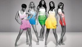 Картинка: Девушки, платья, ножки, поза, чёрно-белый фон