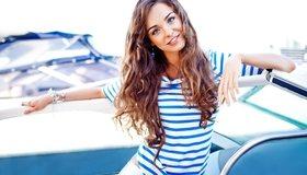 Картинка: Анна Кончаковская, модель, девушка, улыбка, длинные волосы, морячка, тельняшка, яхта