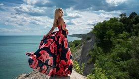 Картинка: Девушка, платье, блондинка, скалы, море, небо, облака, горизонт, природа