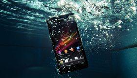 Картинка: Телефон, смартфон, Sony, Android, время, вода, пузырьки