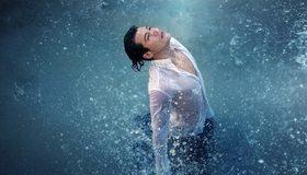 Картинка: Джаред Лето, актёр, мужчина, взгляд, рубашка, вода, брызги, дождь