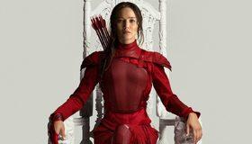 Картинка: Игры, стрелы, трон, Китнисс Эвердин, девушка, лицо, волосы, сидит, костюм
