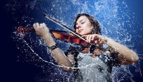 Картинка: Девушка, скрипка, смычок, капли, вода, брызги, синий фон
