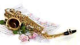 Картинка: Саксофон, ноты, розы, белый фон