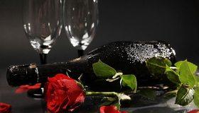 Картинка: Бокалы, бутылка, шампанское, роза, цветок, романтика, тёмный фон