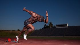 Картинка: Бегун, мужчина, дистанция, мышцы, бег, тренировка, стадион, трибуны