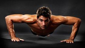 Картинка: Мужчина, отжимается, взгляд, сила, фон, положение