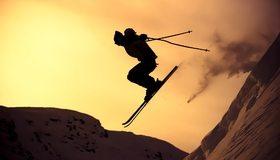 Картинка: Парень, прыжок, лыжи, горы, склон, экстрим, закат