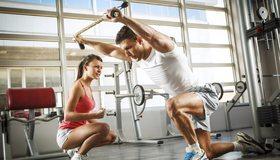 Картинка: Тренировка, мышцы, сила, мужчина, девушка, кроссовки
