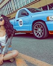 Картинка: Девушка, сидит, дорога, машина, очки, брюнетка, азиатка, модель, Dodge Ram, пикап